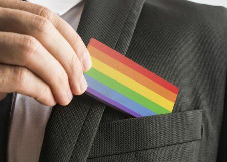 Des entrepreneurs LGBT avec le sentiment de devoir se normaliser