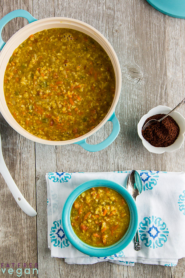 This richly spiced but not spicy #vegan red lentil soup is made thicker and heartier by the addition of cauliflower rice. Zero points on Weight Watchers #freestyle program. Gluten-free and no added oil. #wfpbno