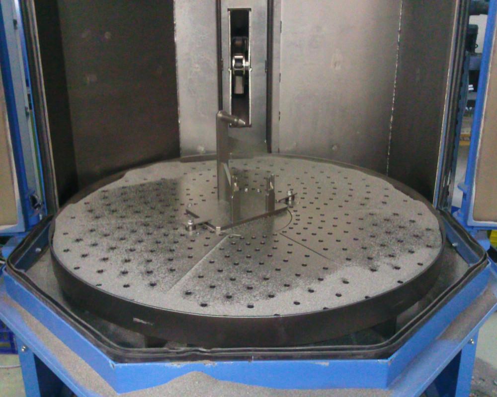 Machines de grenaillage à Plateau - grenailleuse