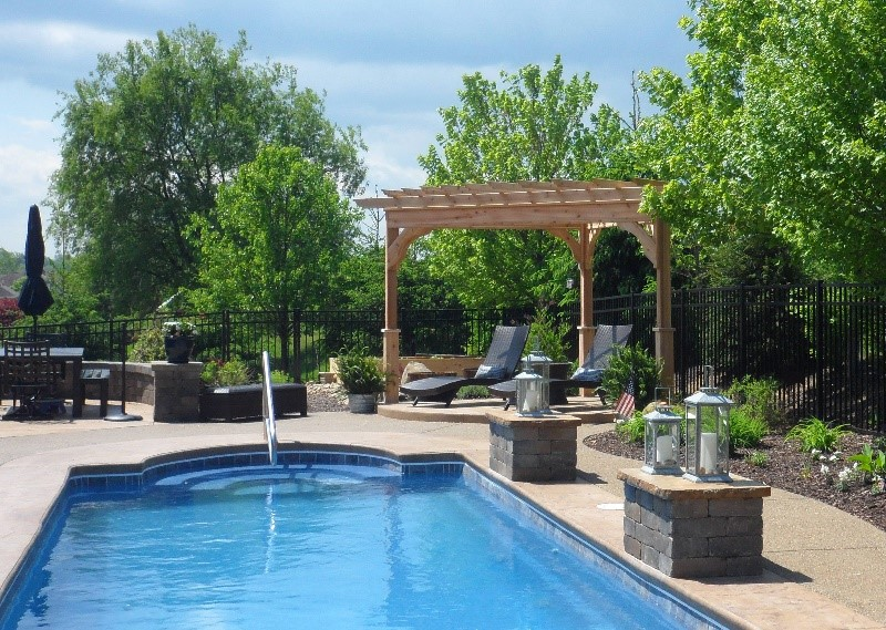 5 Ideas For An Outdoor Living Space Around A Pool