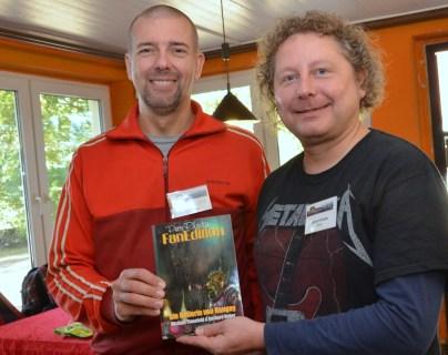 Michael Tinnefeld und Gerd Huber mit ihrem Fan-Roman