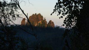 Sonnenaufgang über den Lehnsteigtürmen
