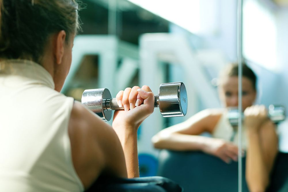 fitness-training-dumbbells