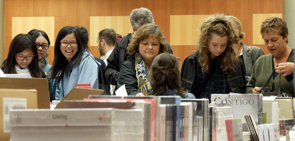 The crowd at Designers & Books Fair 2015 in the John E. Reaves Great Hall