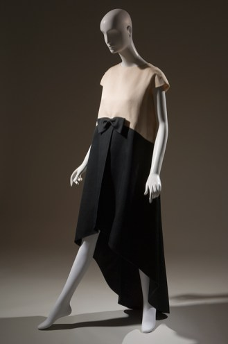 Cristobal Balenciaga, evening dress, 1968. From Paris Refashioned.