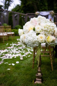 12Flora-Nova-Design-elegant-outdoor-wedding-seattle