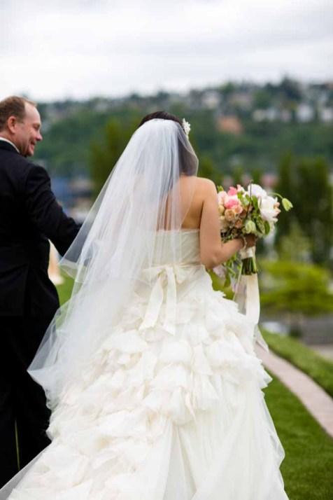 18Flora-Nova-Design-elegant-outdoor-wedding-seattle