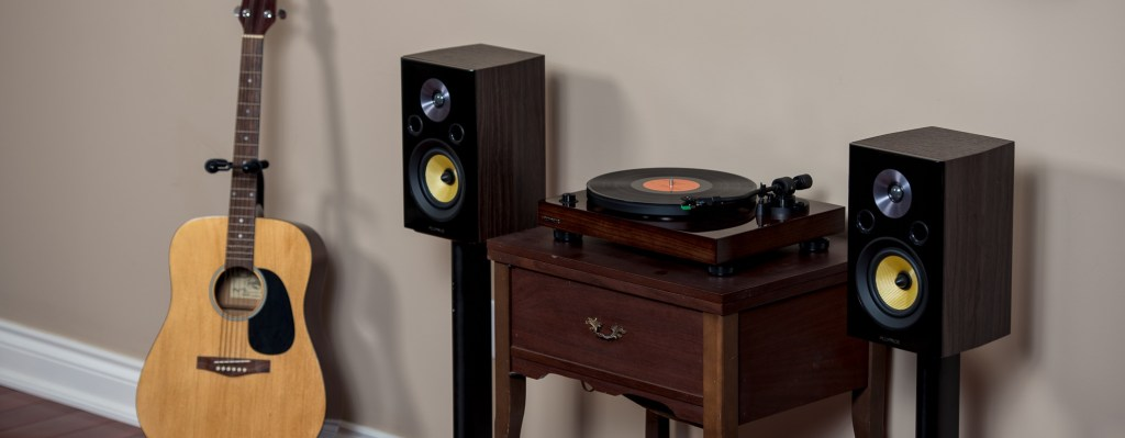Top 7 Gift Giving Ideas for the Vinyl Music Lover