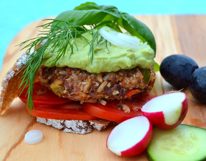 Burger aus roten Bohnen und Hanf – vegan und glutenfrei