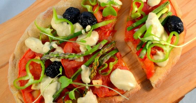 Pizza di verdure con crema di anacardi