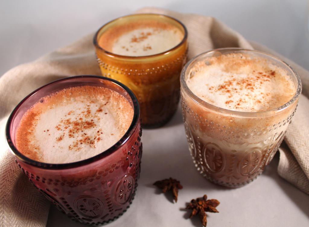Latte orientale con spezie pregiate