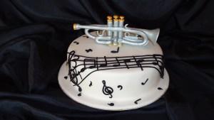 ¡Feliz día de la música! Aprende a preparar una tarta muy musical con moldes desmoldables 5