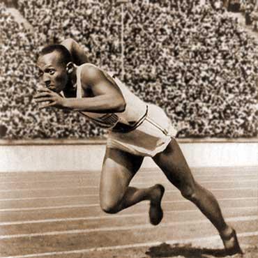Jesse Owens, principal rival de Hitler en los Juegos Olimpicos de Alemania