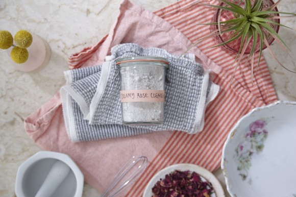 Post image for Make: Creamy Rose Facial Cleansing Grains