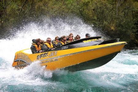 Jet boat Huka Falls