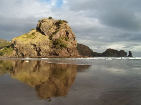 Piha beach lion rock - MC