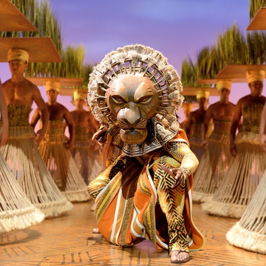 Father's Day Theatre Dads - The Lion King's Mufasa crouching ready to pounce