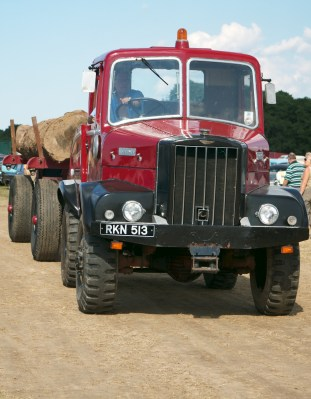 Unipower 4x4 timber tractor