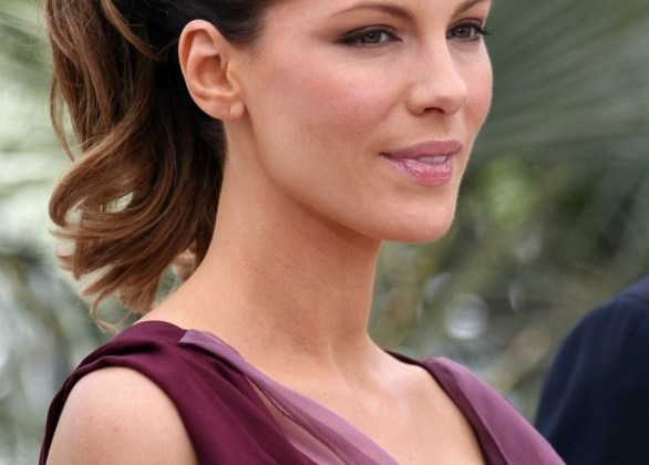2012-2013-Women-Ponytail-Hairstyles1