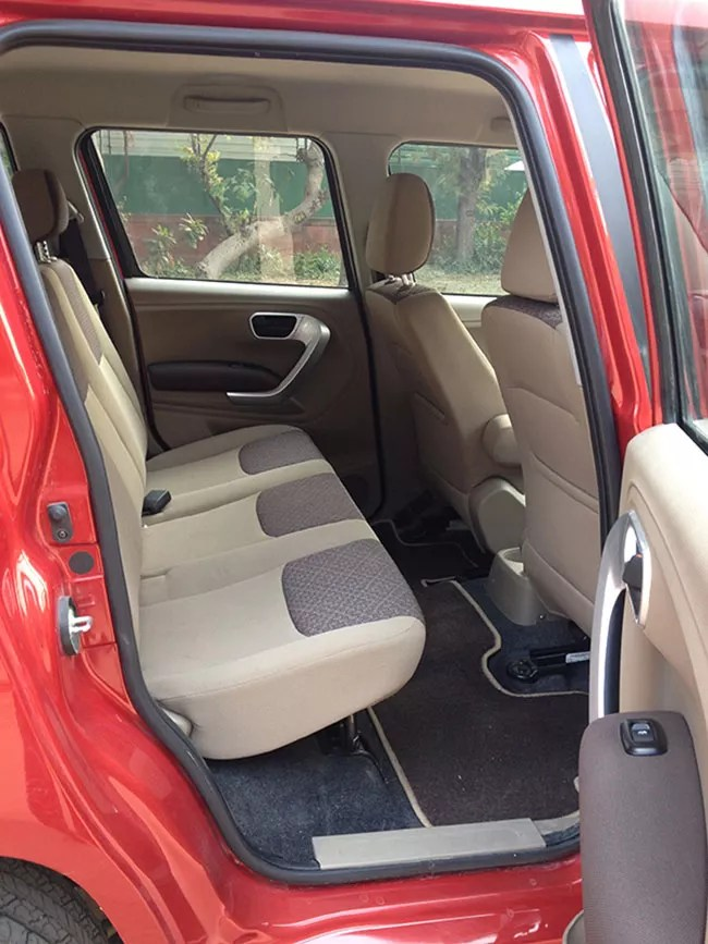 Mahindra TUV300 Review T8 TUV and stylish  GaadiKey