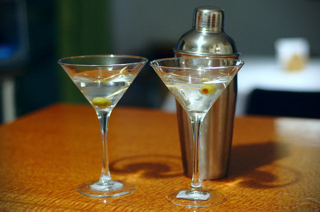 Martini recipe: shaken, not stirred
