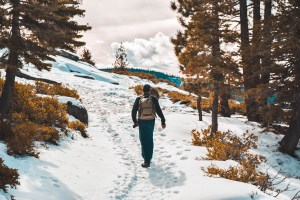 How to Layer while Hiking in the Winter