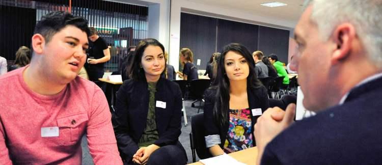 strategi mahasiswa baru Public relation