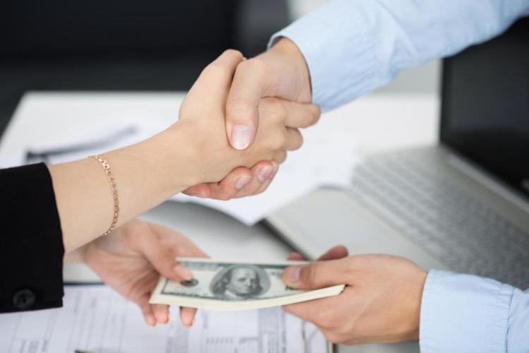 Mudah mengatur gaji aplikasi HR