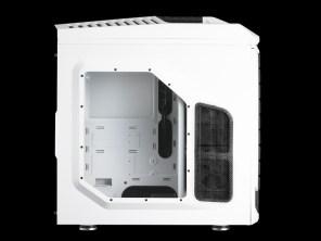 Boîtier PC Gamer CM Storm Stryker - Vue intérieure avec panneau plexi