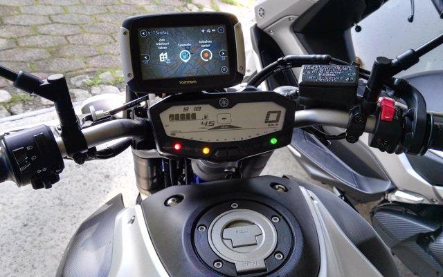 Tomtom Rider 400 an Yamaha MT-07
