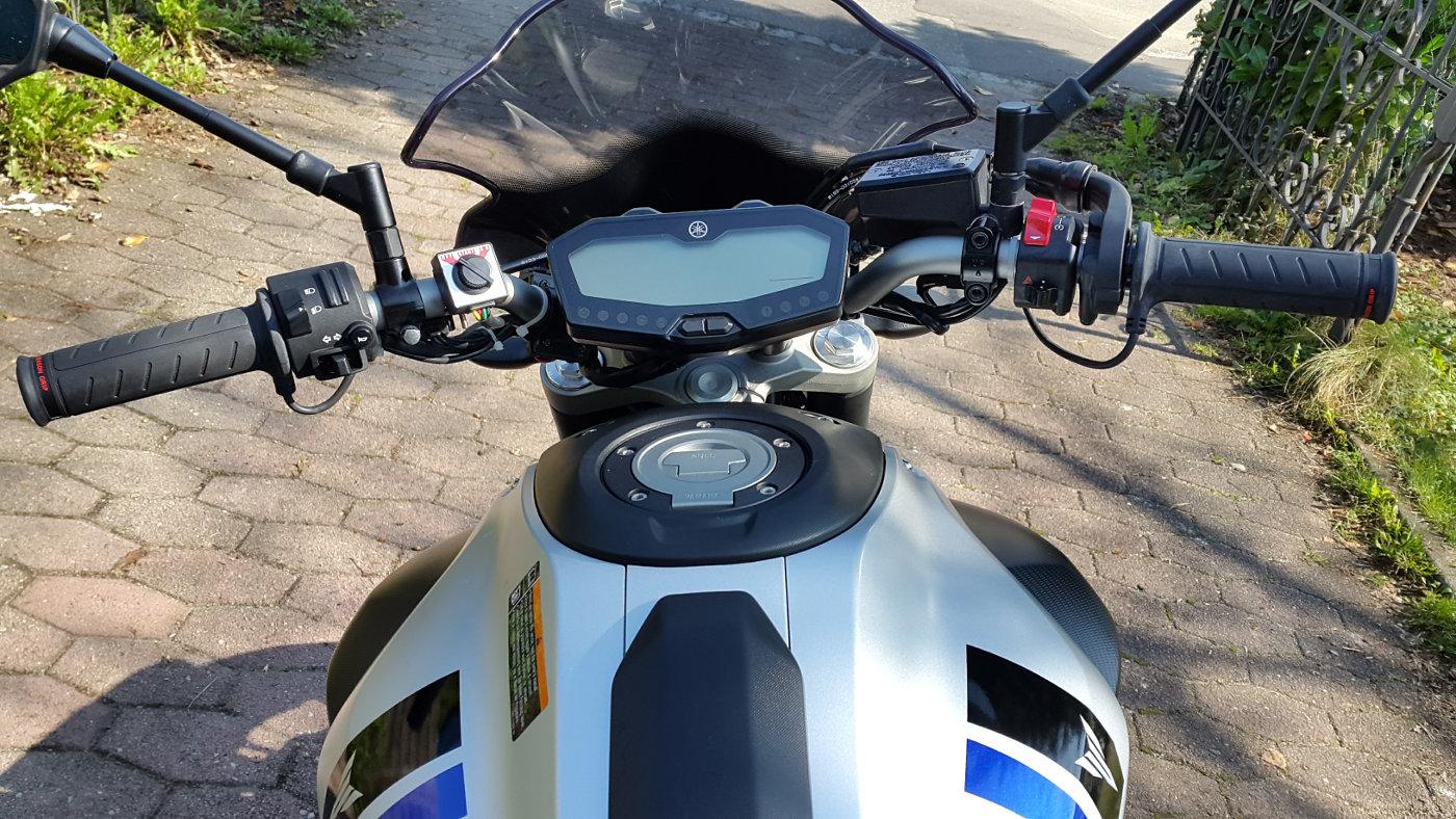 Yamaha MT-07 mit Daytona Heizgriffen