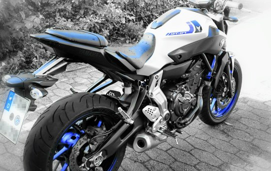 Yamaha MT-07 race blue