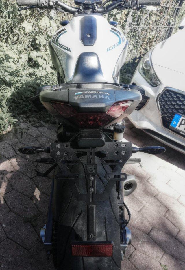 Yamaha MT-07 mit Kellermann LED Blinkern hinten