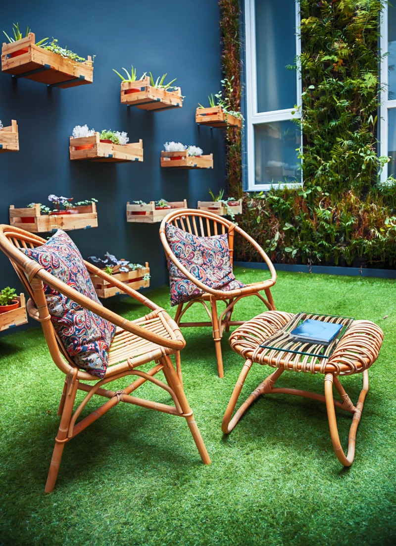 25 Backyard Patio Furniture Ideas Youll Want to Soak Up