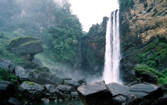 Bambarakanda waterfall