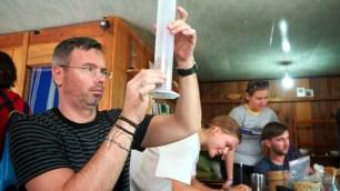 K'HO coffee farm: proces praženia, meranie objemy kávových zŕn