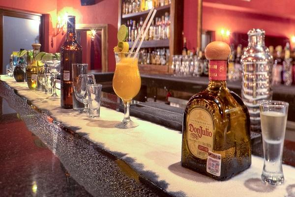 azul-beach-hotel-tequila-lounge-resized-600