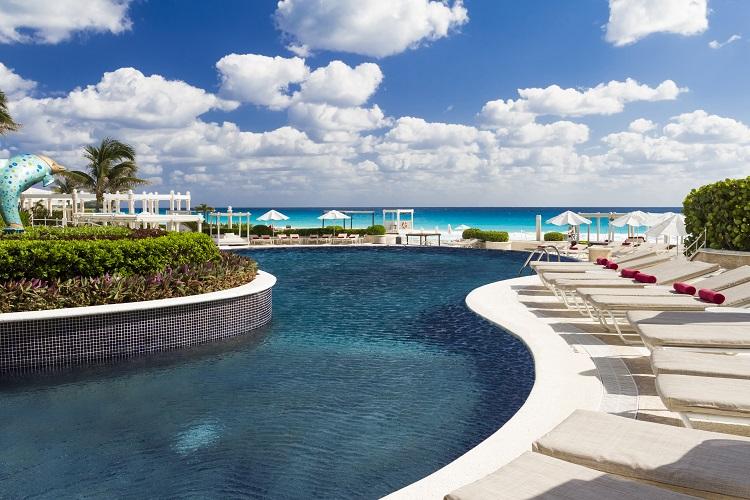sandos_cancun_exterior_12-300