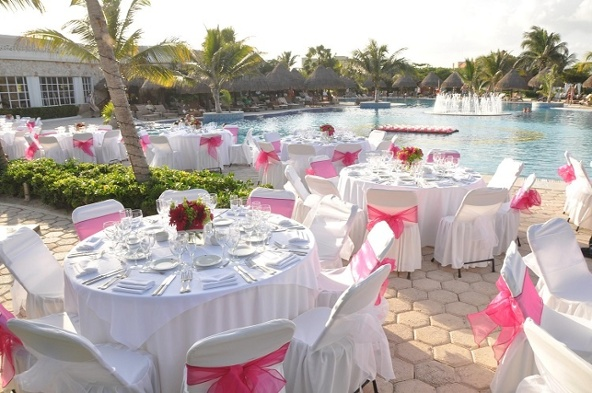 private_dinner_swimming_pool