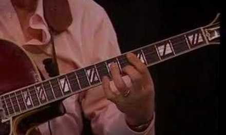 Larry Coryell Jazz Guitar Lesson: Blues in C