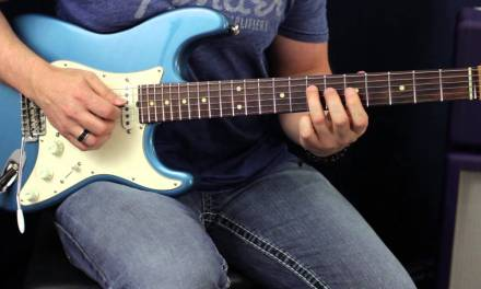 How To Use Chromatic Scales To Spice Up Blues Soloing – Guitar Lesson