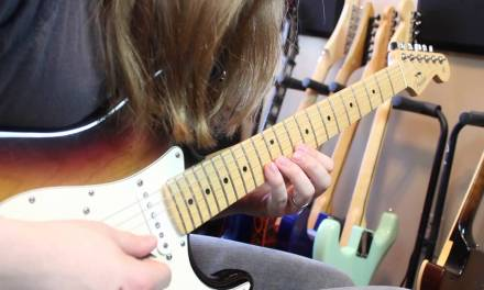 Learn How to Navigate Guitar Scales in New Ways – Lead Guitar Lesson on Scales