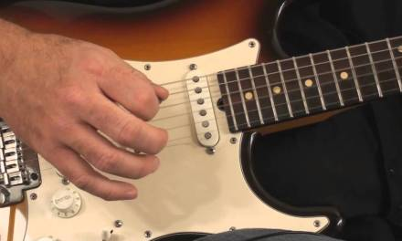 Guitar Lesson: Simple Arpeggios With Open Chords And Picking