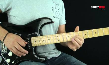 Guitar Lesson: Pink Floyd – Comfortably Numb