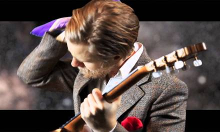 World's Best Dressed Guitarist – Minor Swing by Django Reinhardt (Marcus Strand)