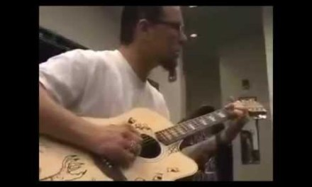James Hetfield Plays Some Acoustic Guitar In The Dressing Room