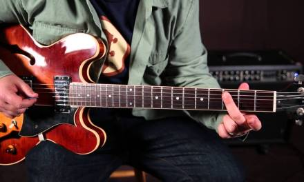 Queen – Fat Bottom Girls – How to Play On Guitar  – Tutorial