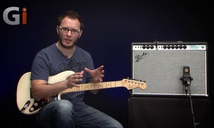 Fender '68 Custom Vibrolux Reverb Guitar Amplifier   Review