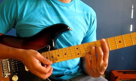 """How to play """"Moves Like Jagger"""" by Maroon 5 on electric guitar – Tutorial"""