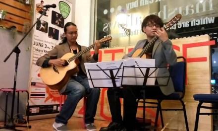 Az Samad & Naoki Ikuta playing a duet version of Romanza